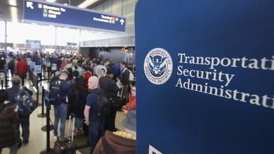 TSA-lines-jpg_20160520200043-159532