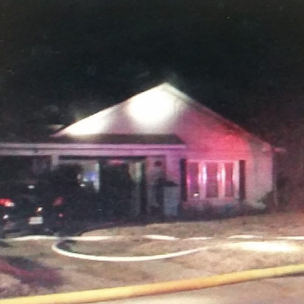 oak street fire_1483452281439.jpg