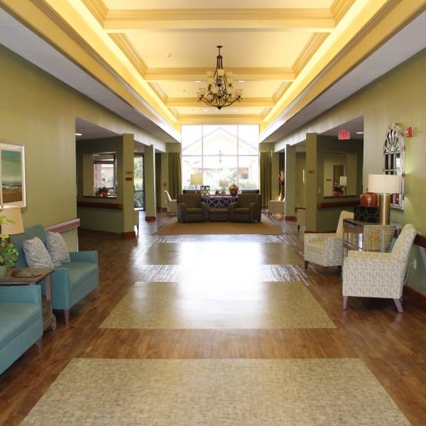 Foyer_1512576081008.jpg
