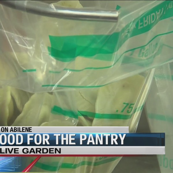 Abilene_Olive_Garden_helps_local_food_pa_0_20180809232639