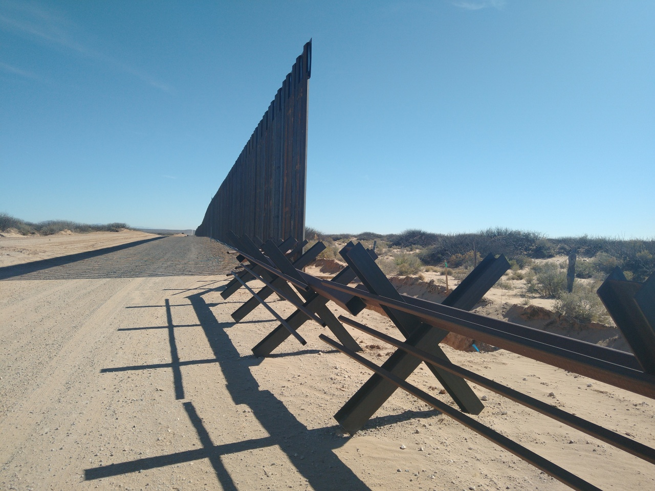 Despite opposition, border wall construction gains ground in New Mexico