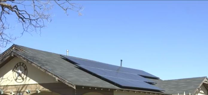 How did solar panels fair in Abilene during winter storm, power outages?