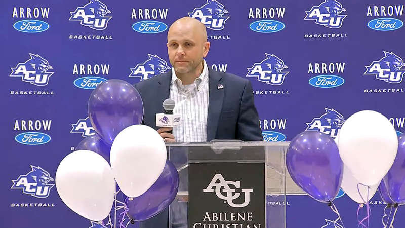 ACU men's basketball promotes assistant Brette Tanner to head coach