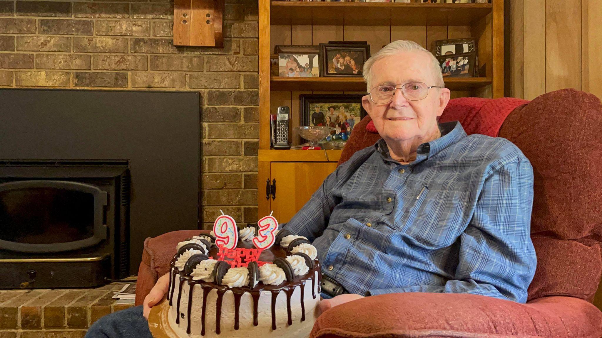 93-year-old man renews driving license, celebrates birthday